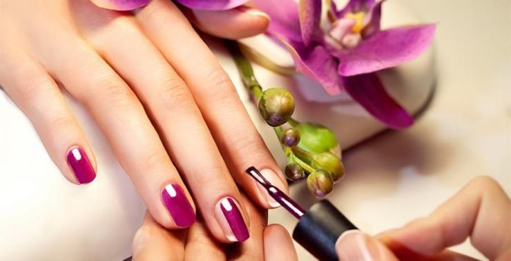 manicure-with-burgundy-gel-nail-polish
